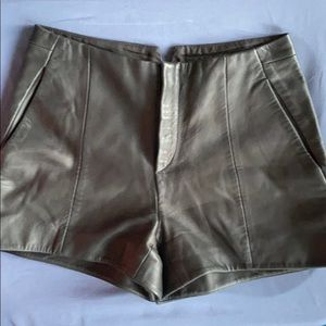 R & B Leather Shorts, Sz 0.               12-32FEE